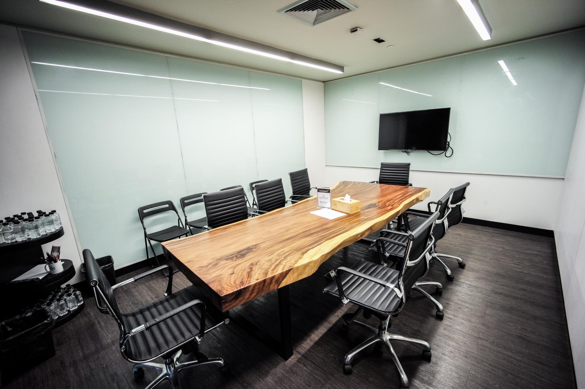 Glowfish内会議室